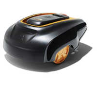 robot tondeuse à gazon noir et orange McCulloch